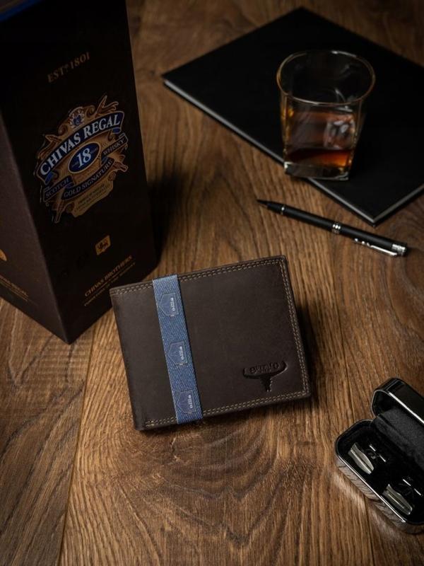 Мужской кожаный кошелек коричневый 2222