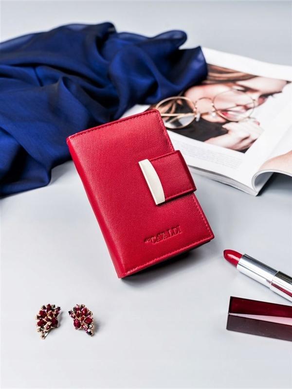 Жіночий шкіряний гаманець червоний 2412